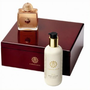 Amouage Gold for Woman set (edp 100ml+300ml b/l)